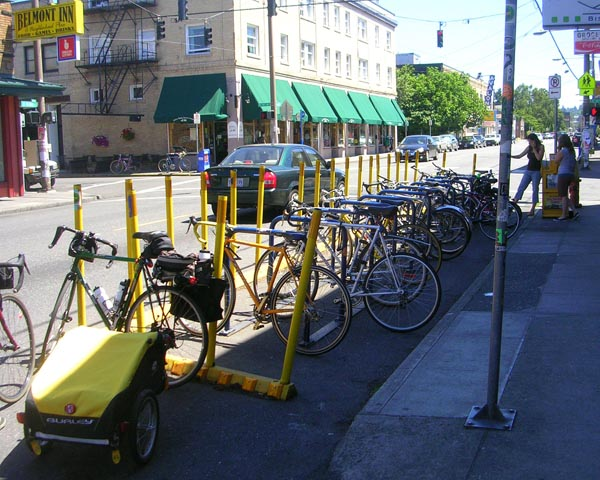 bike parking on belmont street
