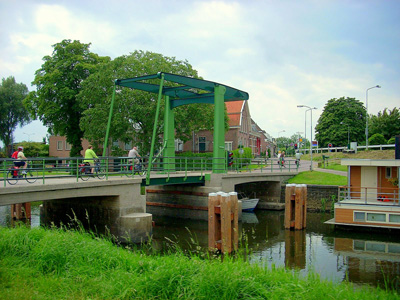 Crossing a bridge in Hattem