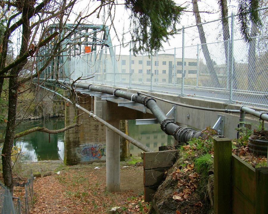 82nd drive bridge open